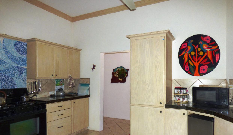 10-Kitchen-2