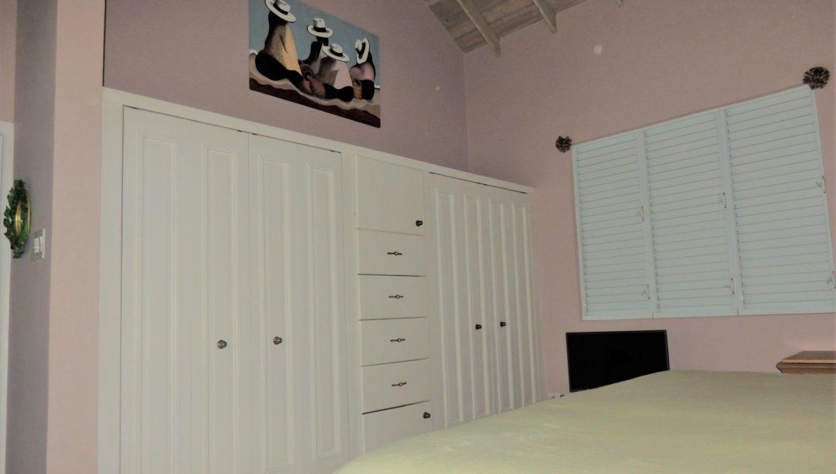 16-master-bedroom-1