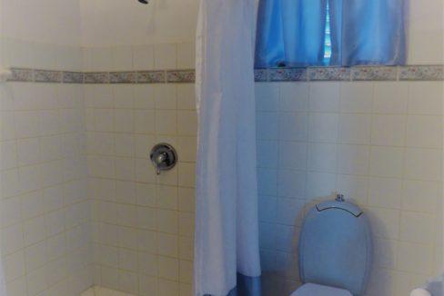 25-bathroom-3