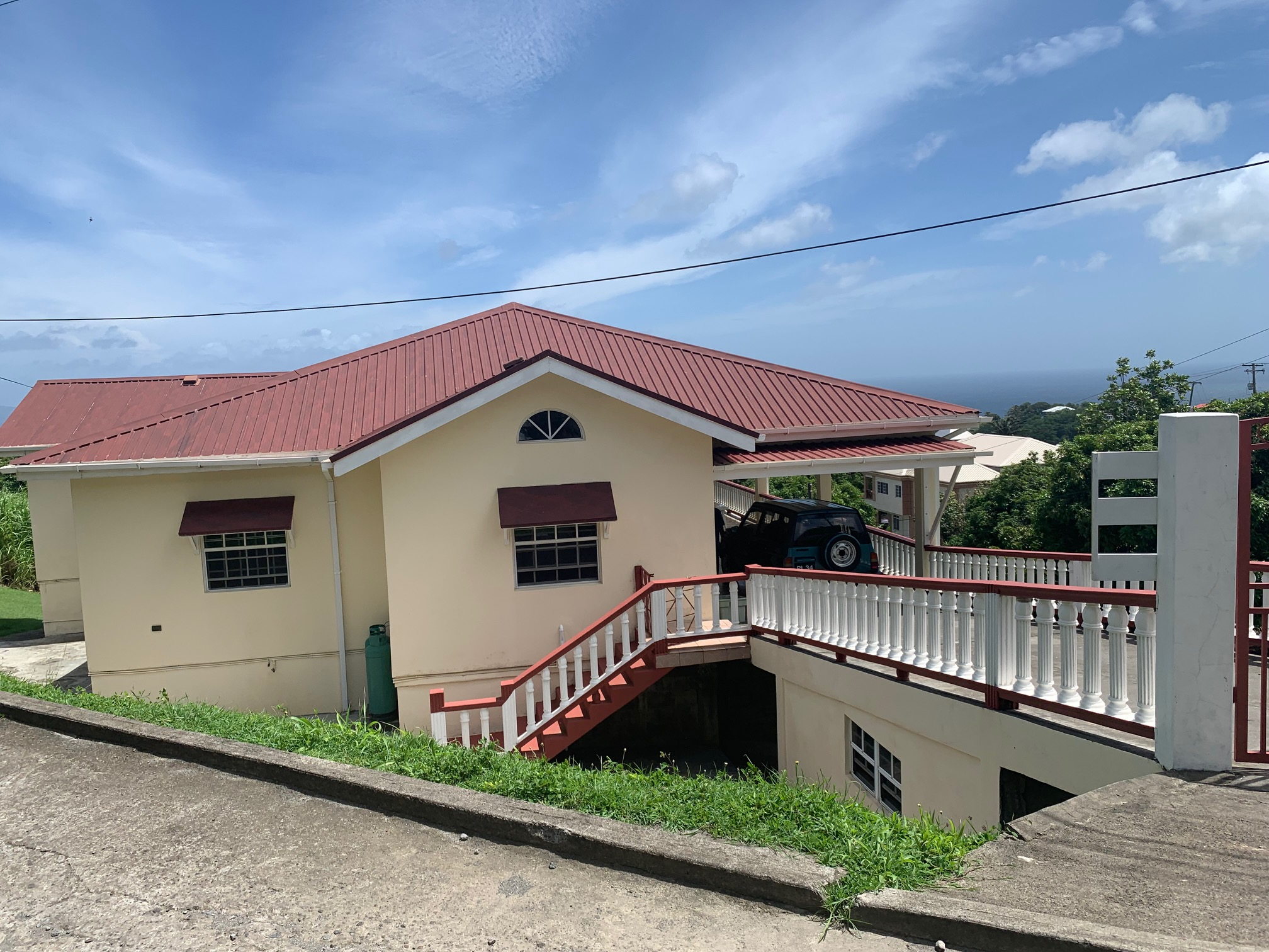 PROPERTY FOR SALE – DORSETSHIRE HILL