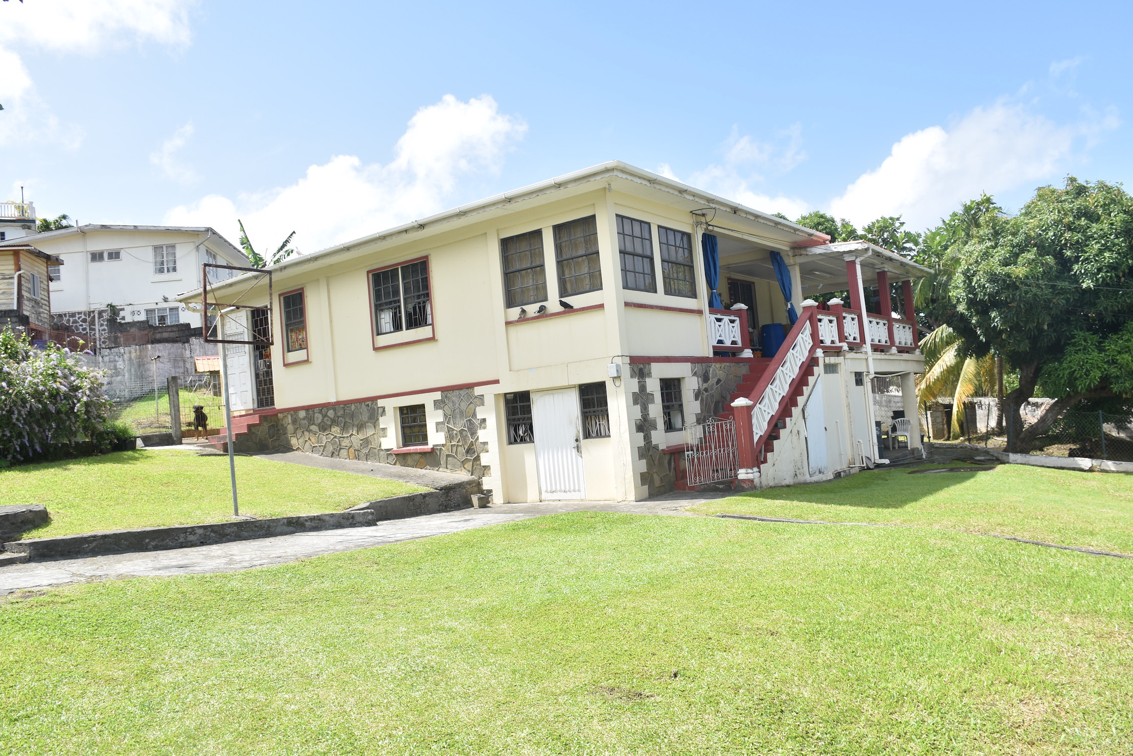 PROPERTY FOR SALE – KINGSTOWN PARK
